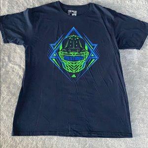 🔥Adidas T-shirt Sz L🔥